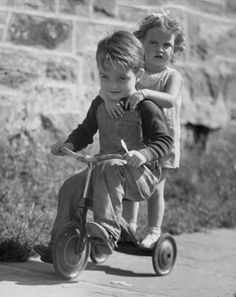 5b8c95f48c8655815c6ed3667a632d8d-victor-hugo-vintage-kids